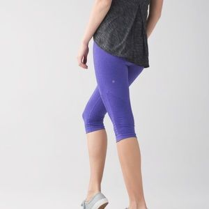NWT Rare Lululemon In the Flow Crop II Iris Flower